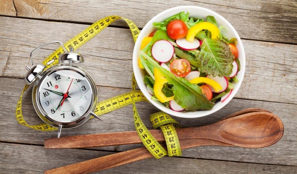 heure du repas fixe pour rééquilibrer son alimentation