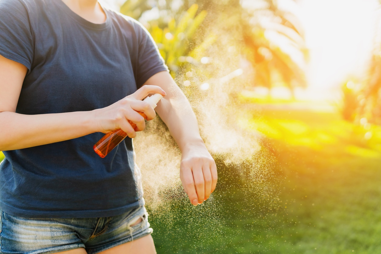 répulsif insecte spray peau moustiques