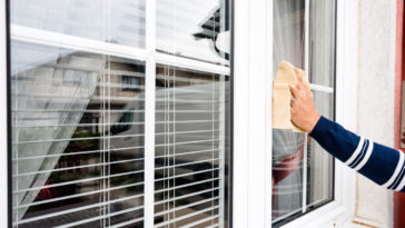 nettoyer fenêtres vitres pvc