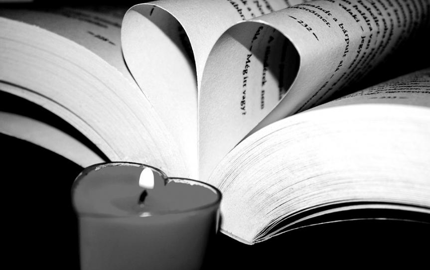 livre bougie rendre hommage mort