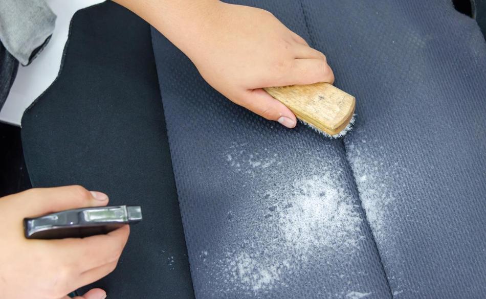 nettoyer sièges de voiture en tissu