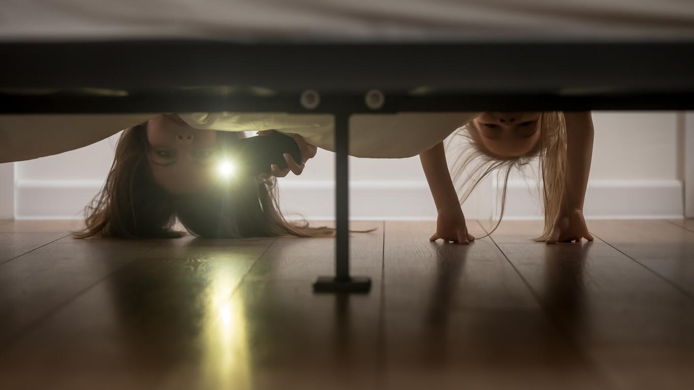 rituel du soir sous le lit