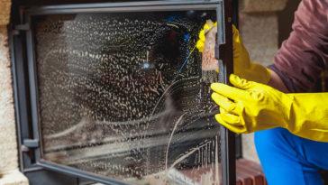 nettoyer vitre poêle cheminée