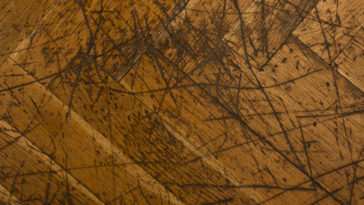 rayures parquet abîmé bois sol