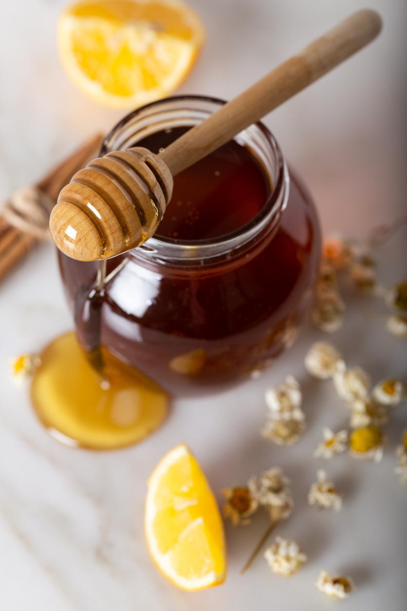 citron miel camomille ingrédients naturels pour éclaircir cheveux