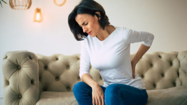 douleurs mal au dos canapé