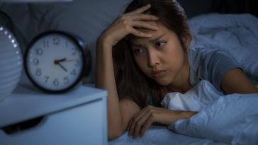insomnie mal dormir sommeil fatigue réveils nocturnes
