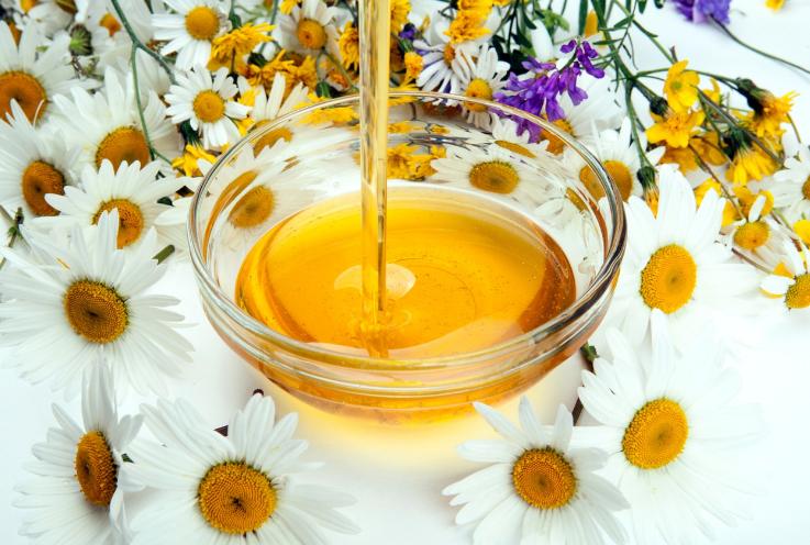 miel camomille pour éclaircir ses cheveux